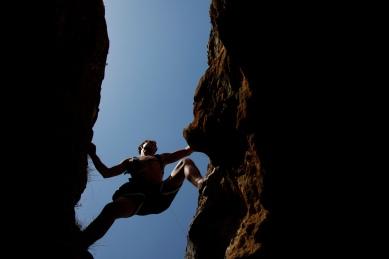 Eric climbing in Valdilecha.
